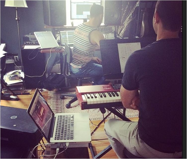 isabeau miller laying down trackes for david Archie IG pic billy nobel