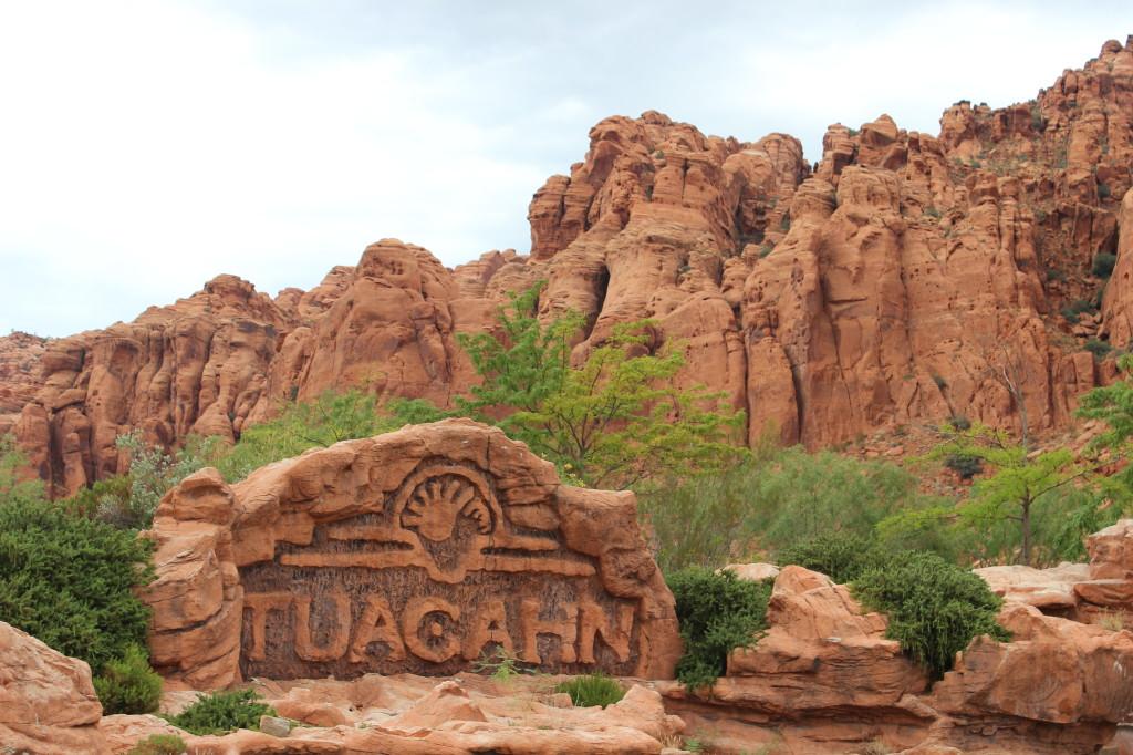 tuacahn_fountain_sign