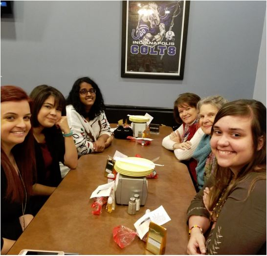 indy-fan-lunch-credit-holly