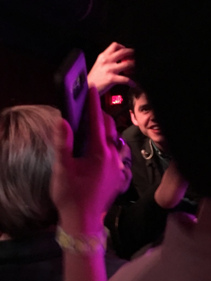 David Archuleta -Knoxville-selfies with the fans- credit Rhiminee